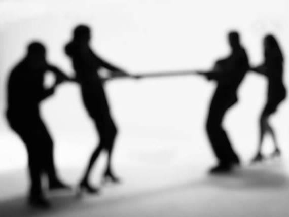 Танцюй, враже, як пан каже, або про те, чиї інтереси оберігають ''слуги народу''