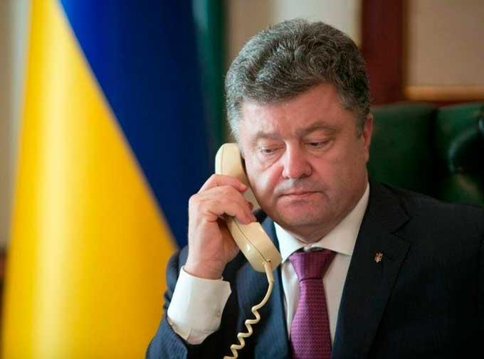 Порошенко поговорив з Путіним: президент Росії погрожує наступом