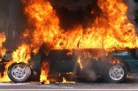 У Черкасах спалили машину судді