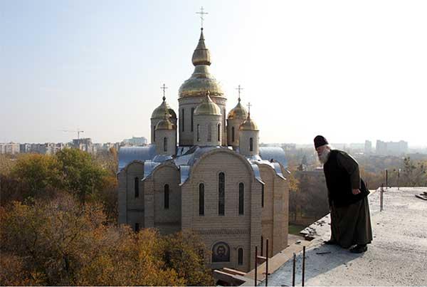 На дзвінниці собору в Черкасах завершують будівельні роботи