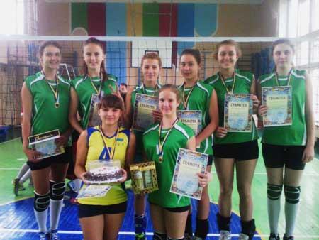 Черкаські дівчата виграли домашній волейбольний турнір