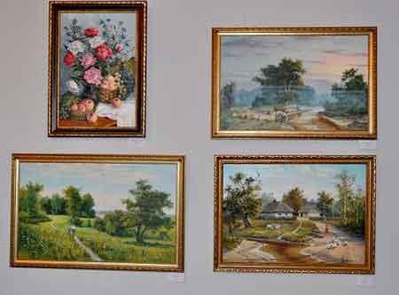 У Черкаському художньому музеї відкрилася посмертна виставка робіт художника-аматора з Чапаєвки Миколи Сапієнка