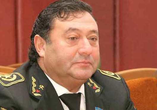 Колишній черкаський чиновник катається столицею на Ferrari (відео)