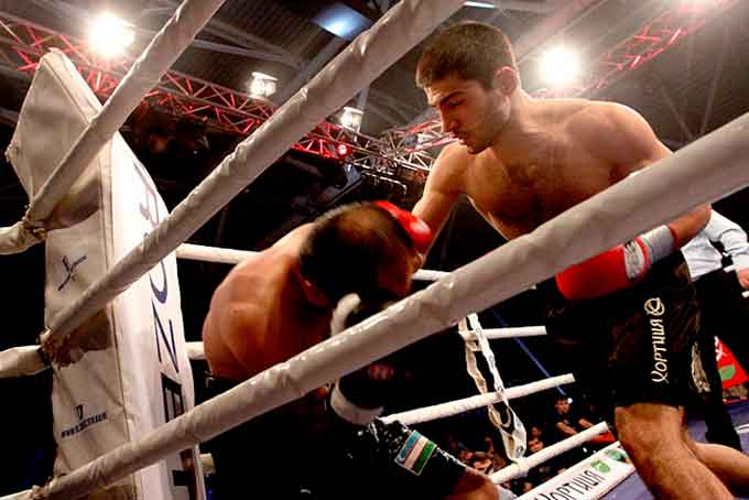 Черкасский боксёр одерживает восьмую победу (видео)
