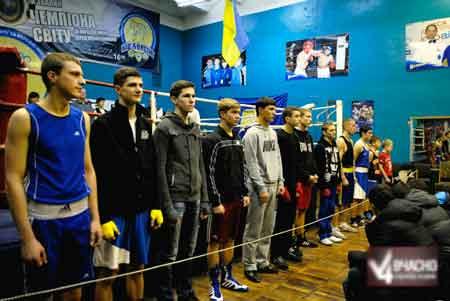 У Черкасах пройшов вечір молодіжного боксу (відео)