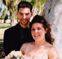 Кара Анайя-Карліс із чоловіком в день їх весілля