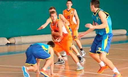 Дві черкаські юнацькі команди достроково вийшли у 2-й етап чемпіонату України з баскетболу