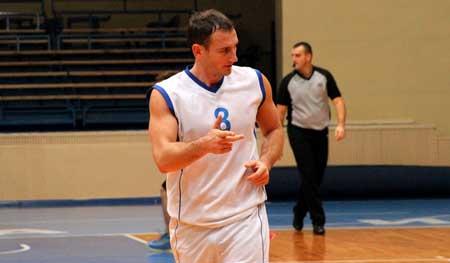 У чемпіонаті Черкас з баскетболу захисник здобув 88 очок!!!