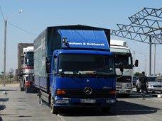 Росія заблокувала рух на кримському перешийку
