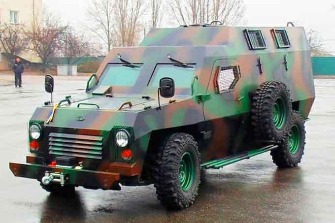Для української армії в Черкасах виготовлять 90 броньовиків «Барс»