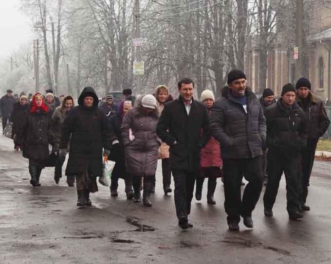 У Христинівському районі селян примусив перекривати дорогу… Азаров