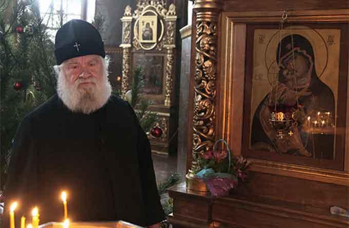 У кабінеті митрополита самі собою оновилися ікони (фото)