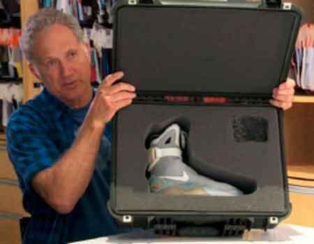 Nike випустить кросівки, що самі шнуруються, з «Назад в майбутнє»