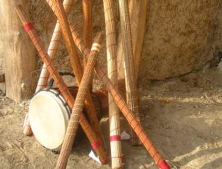 Чигиринець популяризує інструмент, яким викликають дощ і заспокоюють немовлят
