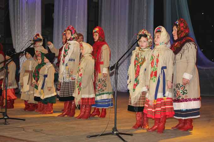 У Черкасах відбувся фестиваль вертепів, колядок та щедрівок