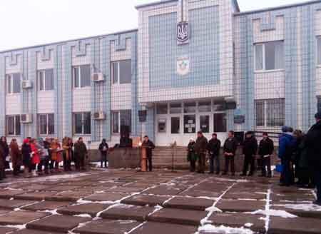 Урочиста відправка бійців відбулася на Центральній площі в смт. Лисянка