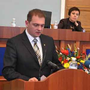 Черкаська облрада просить керівництво держави легалізувати добровольчі батальйони