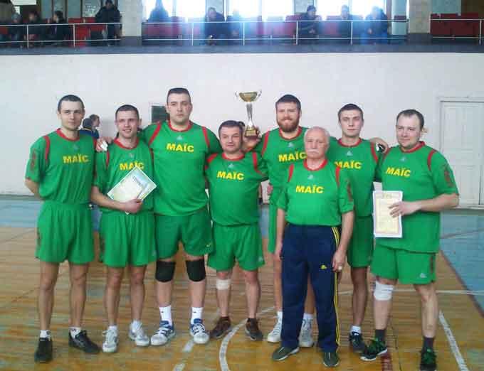Вихідними днями в Чорнобаївському спорткомплексі відбулися змагання