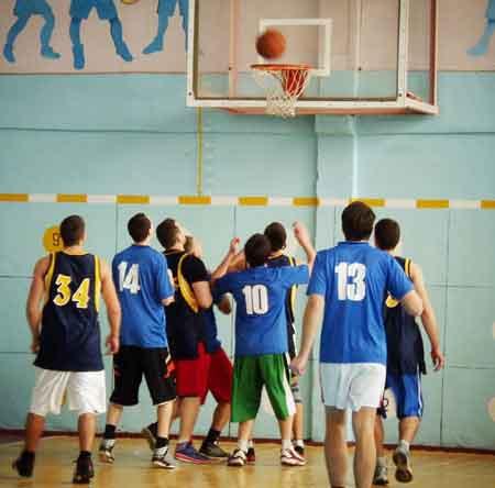 Золотоніські баскетболісти відіграли останній тур чемпіонату