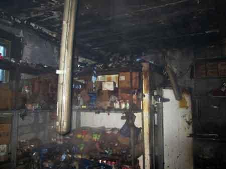 У Черкасах в магазині АТБ гасили пожежу