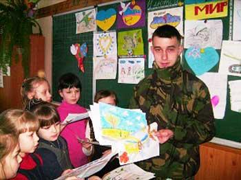 На урок мужності до смілянських школярів завітав герой АТО