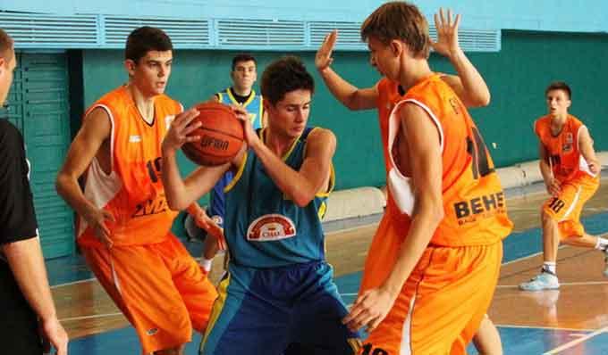 П'ятнадцятирічні черкаські баскетболісти кваліфікувалися у фінал чемпіонату України
