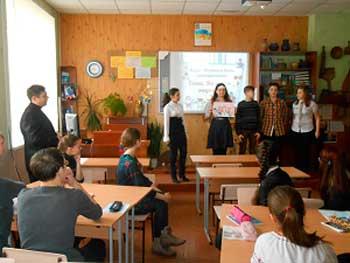 Колектив смілянської школи №3-колегіуму