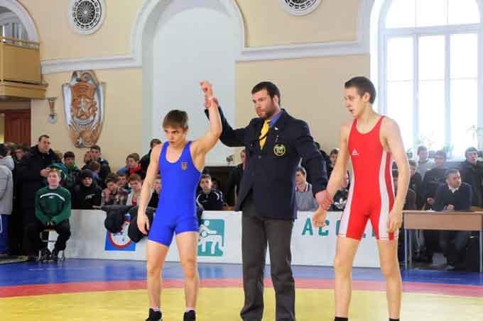 Артем Шевченко здобув золото на Всеукраїнському турнірі з греко-римської боротьби