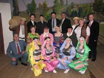 У Худяках відкрили 97-й театральний сезон