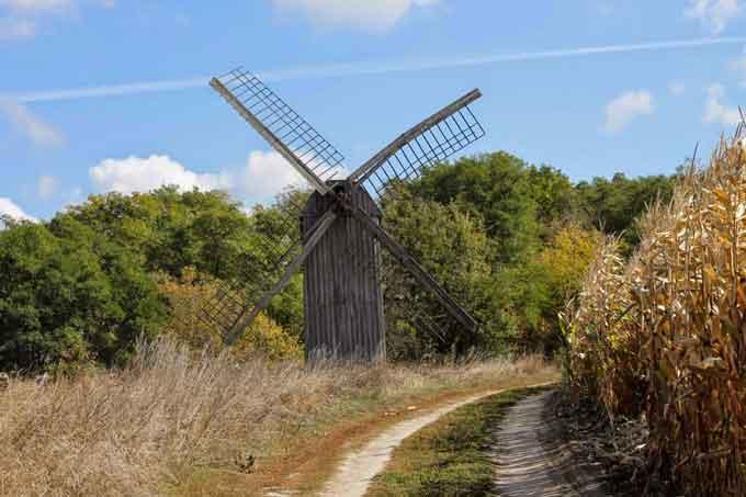 На Смілянщині працює унікальний вітряний млин (фотофакт)