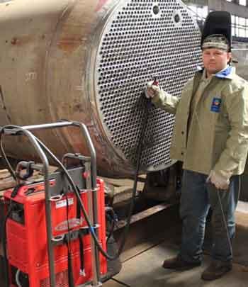 Черкаський «Азот» придбав сучасні зварювальні апарати для ремонту обладнання