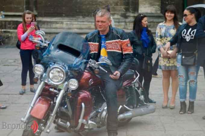 Екс-міністр приїде до Черкас на мотоциклі