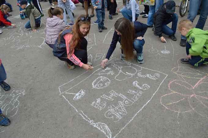 На День Перемоги депутат провів історичну вікторину для дітей