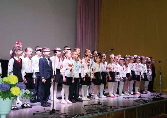 У черкаській школі №26 учні влаштували День подяки батькам