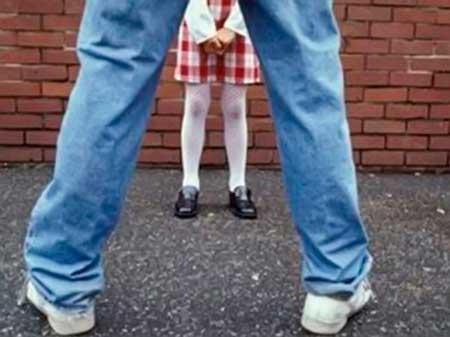 За фактом розпусних дій відносно школярки в місті Черкаси викрито зловмисника
