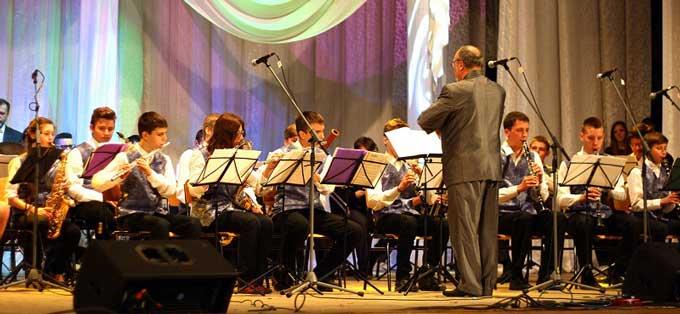 Музична школа №1 представила черкасцям звітний концерт