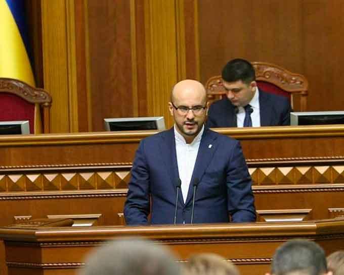 Нардеп вказав Яценюку на жахливий стан черкаських доріг (документ)