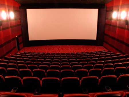 Зухвале кінопіратство в Черкасах залишається безкарним (відео)