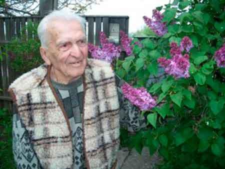 Довгожителю з Лисянки Олександру Даценку – 100 років!