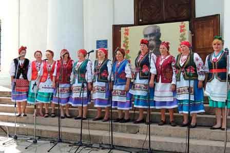 В Умані відбувся фестиваль народних аматорських хорових колективів