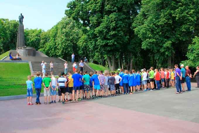 В Каневі відкрито міжобласний футбольний турнір «Тарасова гора»
