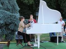 Стартував традиційний мистецький проект «Білий Рояль»