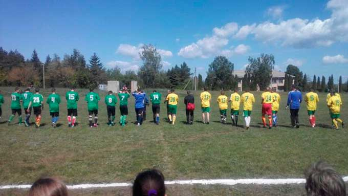 Відбувся восьмий тур чемпіонату Чорнобаївського району з футболу