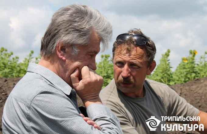 Ющенко приїхав на археологічні розкопки до Легедзиного