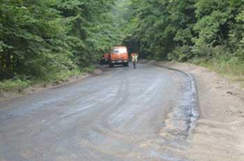 Триває ремонт автодороги від селища Сокирно до Свидівка