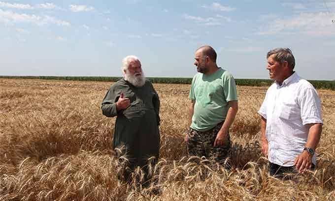 Владика Софроній благословив майбутній урожай і працю черкаських хліборобів
