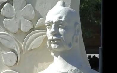 Черкаського митця жахнуло те, на що перетворили його скульптури (відео)