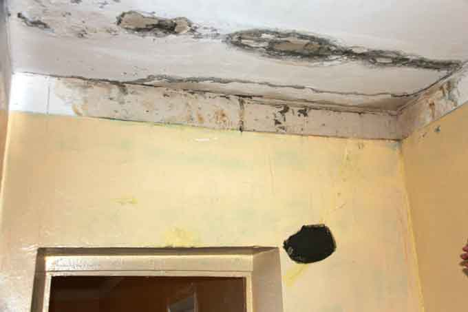 У школі № 34 протікає стеля 19 кабінетів, однак ремонтні роботи досі не розпочато