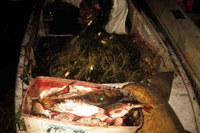 Працівники міліції затримали рибаків, які набраконьєрили на 7 000 гривень (фото)