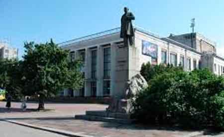 Черкаські актори вирішили реанімувати театр власними силами